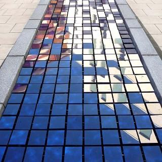 Glass-Pool-2